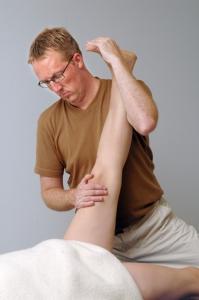 Behandling med fysioterapi på klinik i Odense